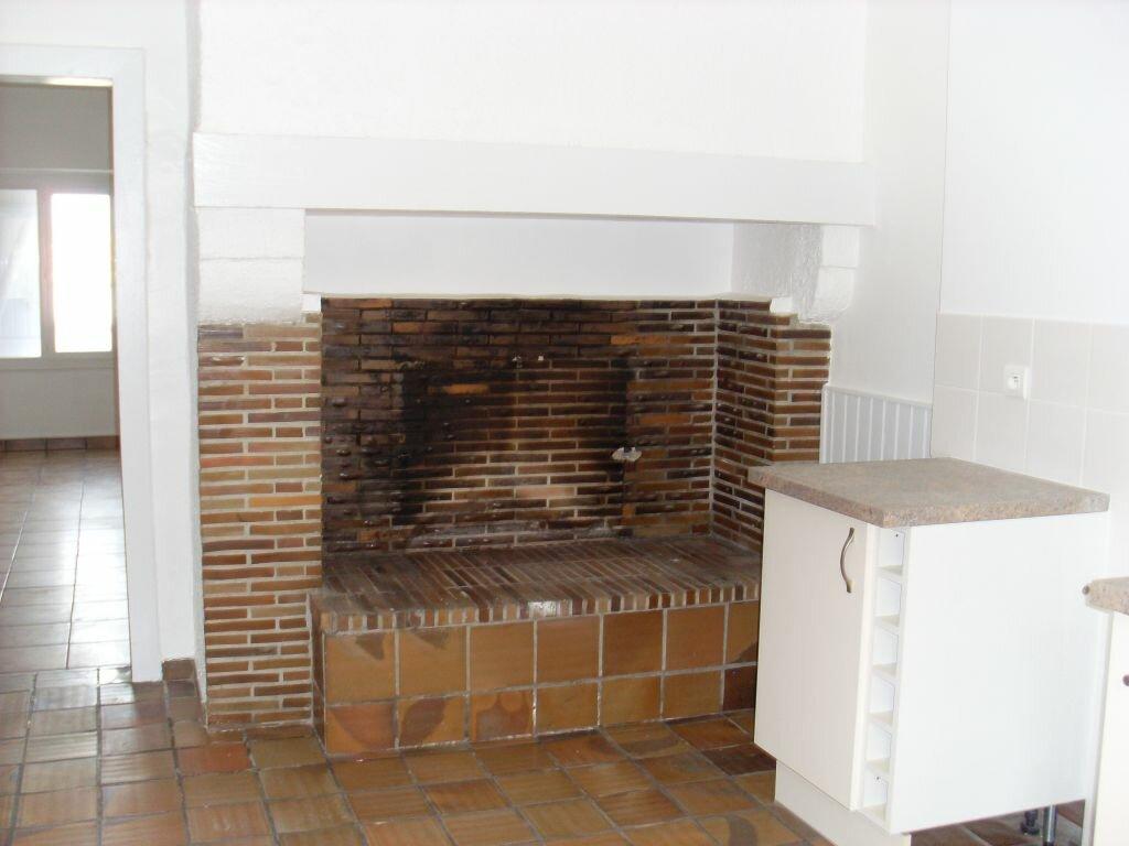 Location Appartement 4 pièces à Villeneuve-de-Marsan - vignette-1