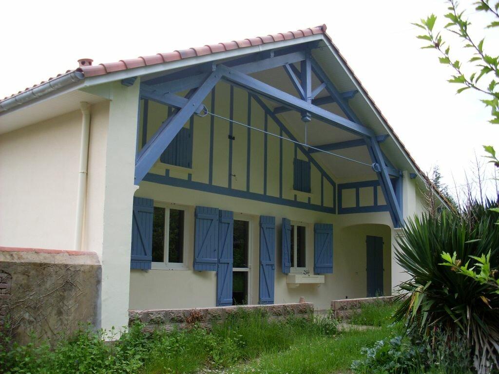Location Maison 4 pièces à Pouydesseaux - vignette-1