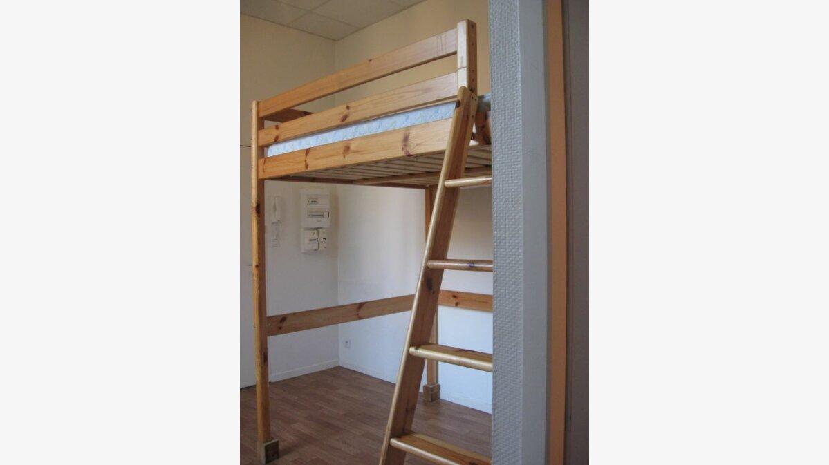 Location Appartement 1 pièce à Mont-de-Marsan - vignette-1