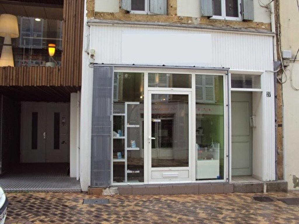 Location Local commercial  à Mont-de-Marsan - vignette-1
