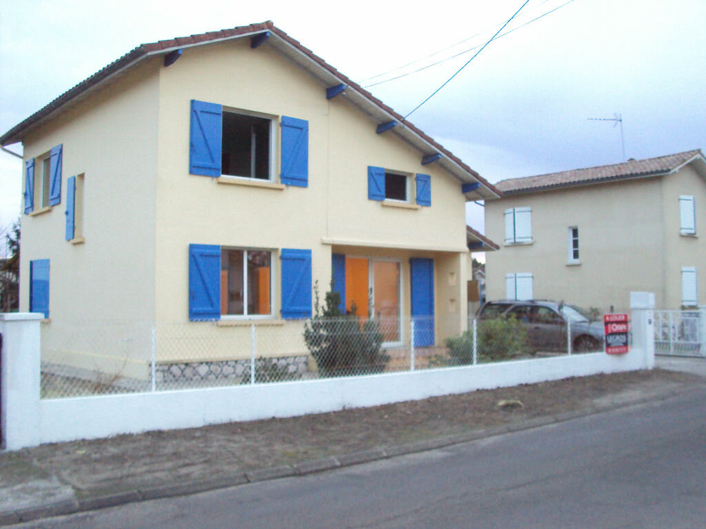 Location Maison 5 pièces à Mont-de-Marsan - vignette-1
