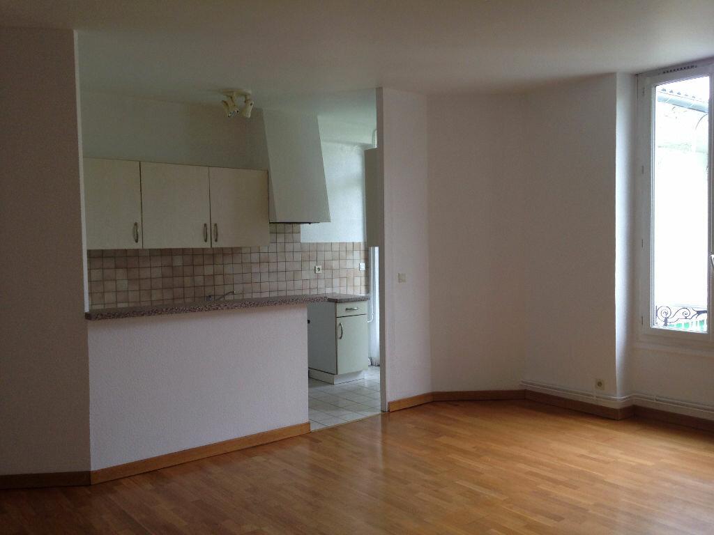 Location Appartement 3 pièces à Mont-de-Marsan - vignette-1