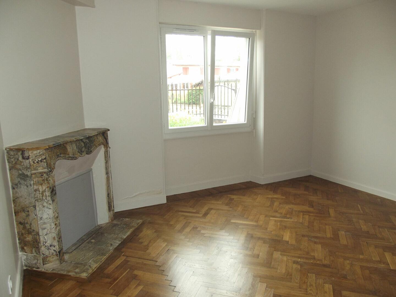 Location Appartement 3 pièces à Morcenx - vignette-1