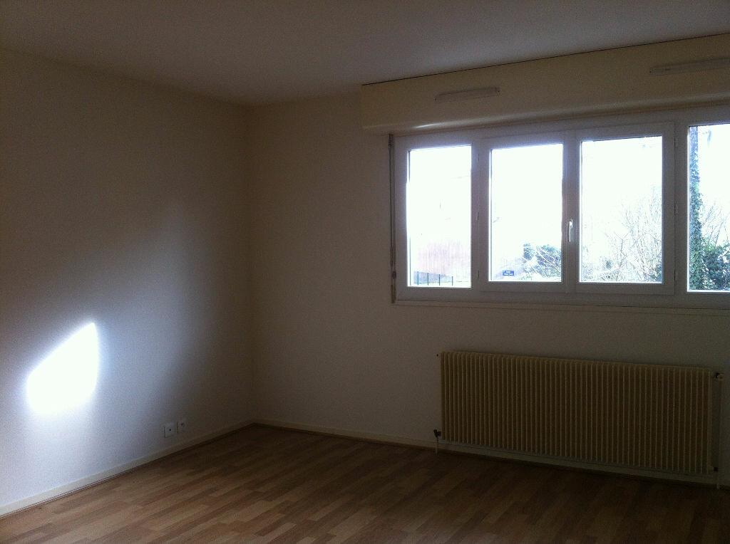 Location Appartement 4 pièces à Mont-de-Marsan - vignette-1