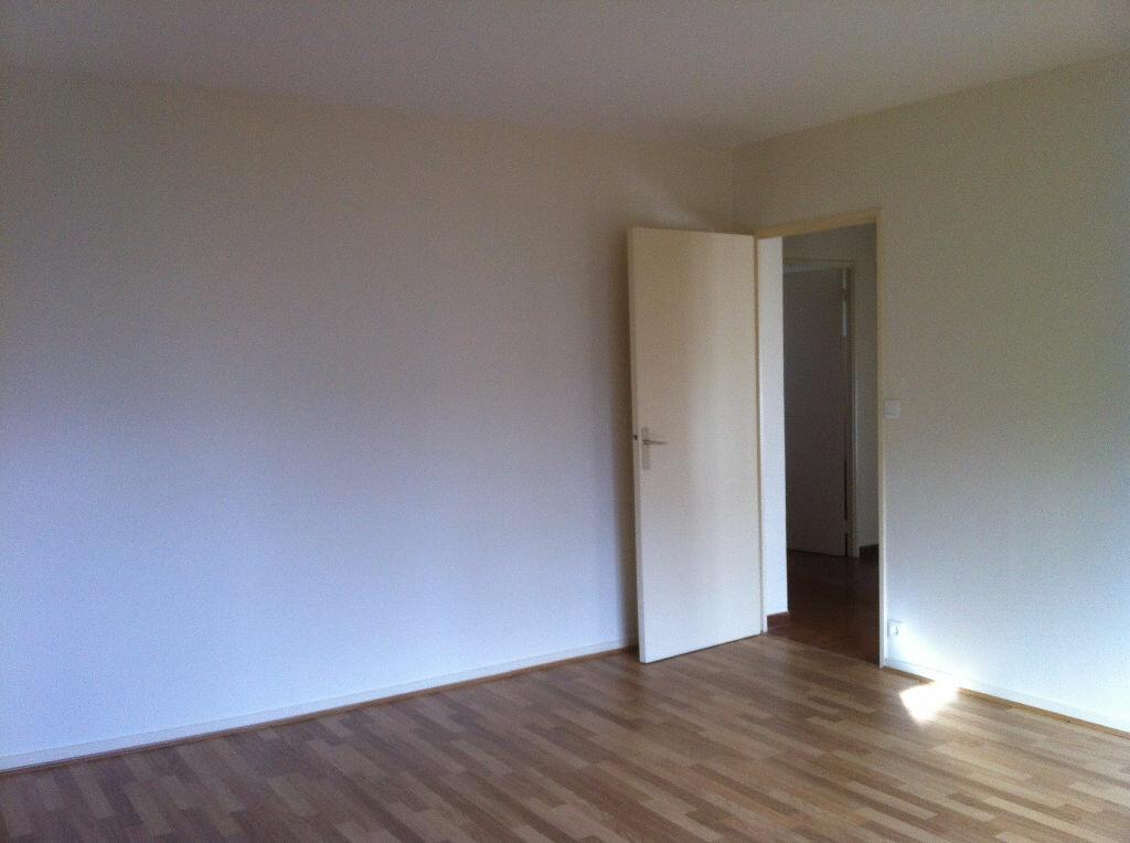 Location Appartement 4 pièces à Mont-de-Marsan - vignette-2
