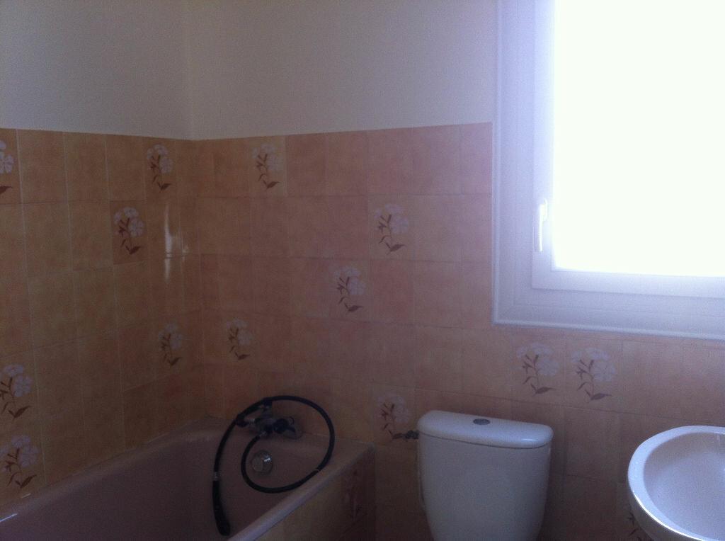 Location Appartement 4 pièces à Mont-de-Marsan - vignette-6