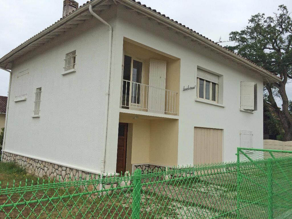 Achat Maison 7 pièces à Saint-Pierre-du-Mont - vignette-1