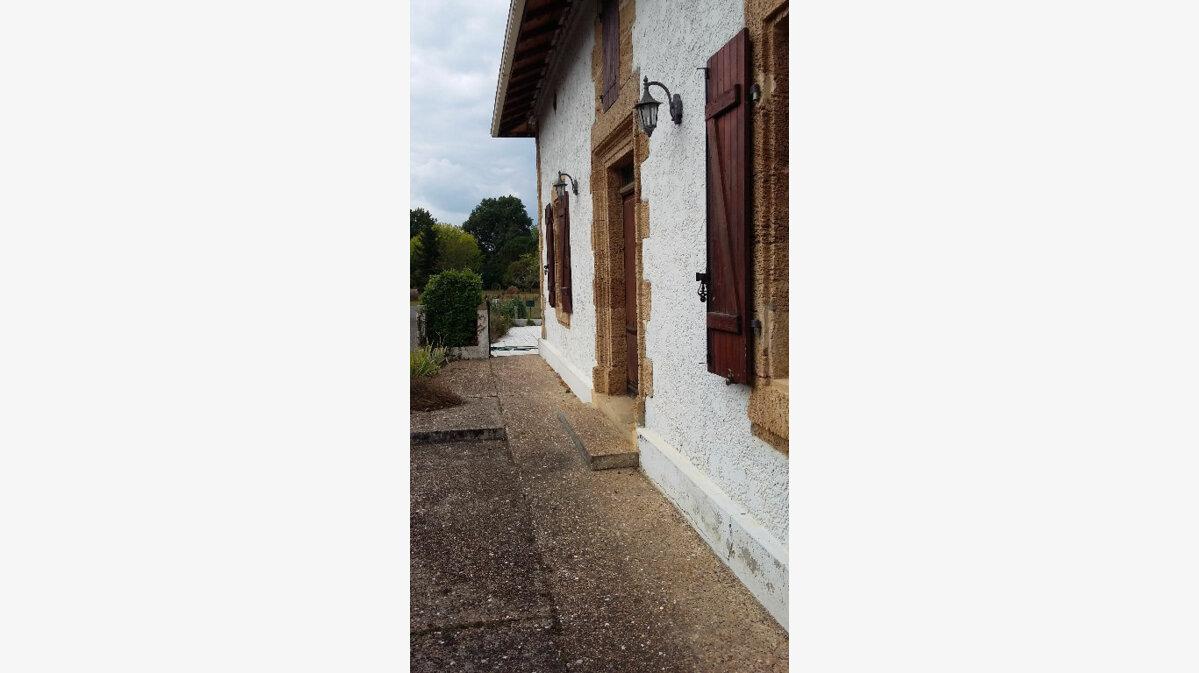 Achat Maison 17 pièces à Pujo-le-Plan - vignette-5