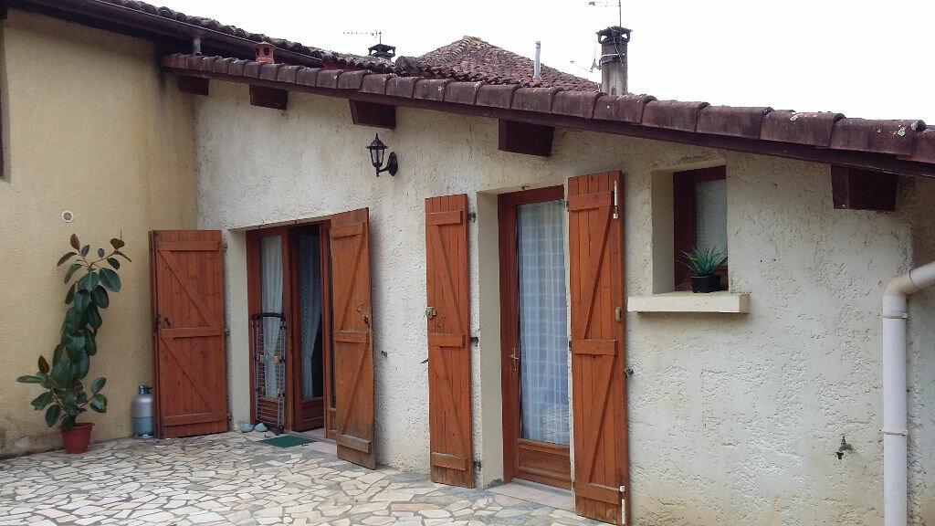 Achat Maison 17 pièces à Pujo-le-Plan - vignette-13