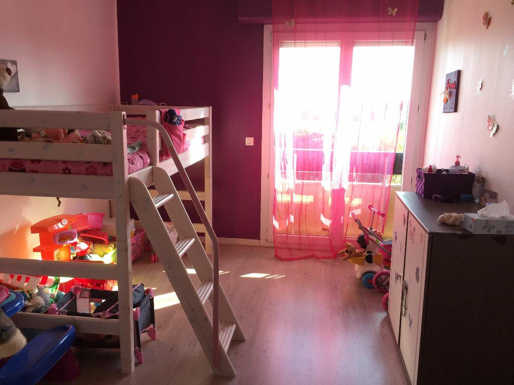 Achat Appartement 4 pièces à Fréjus - vignette-5