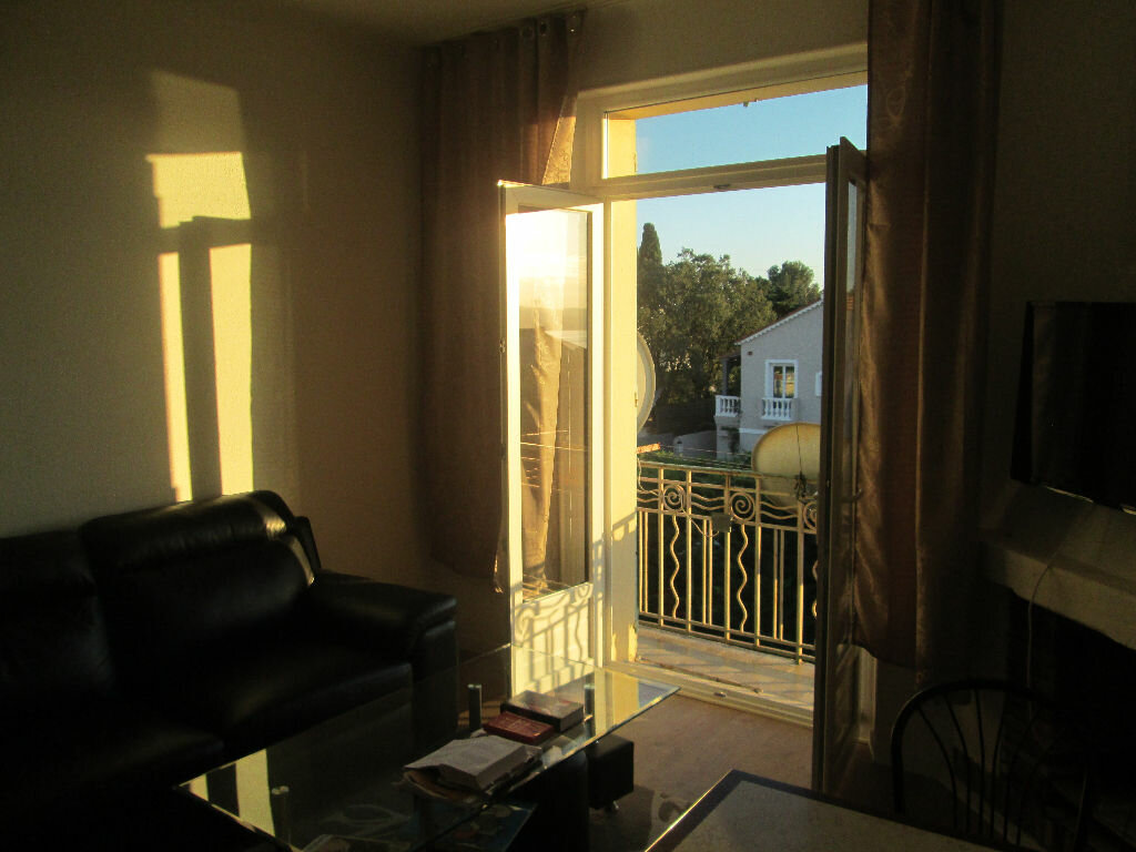 Achat Appartement 2 pièces à Saint-Raphaël - vignette-3