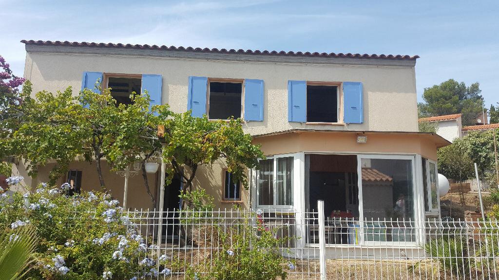 Achat Maison 8 pièces à Saint-Raphaël - vignette-1