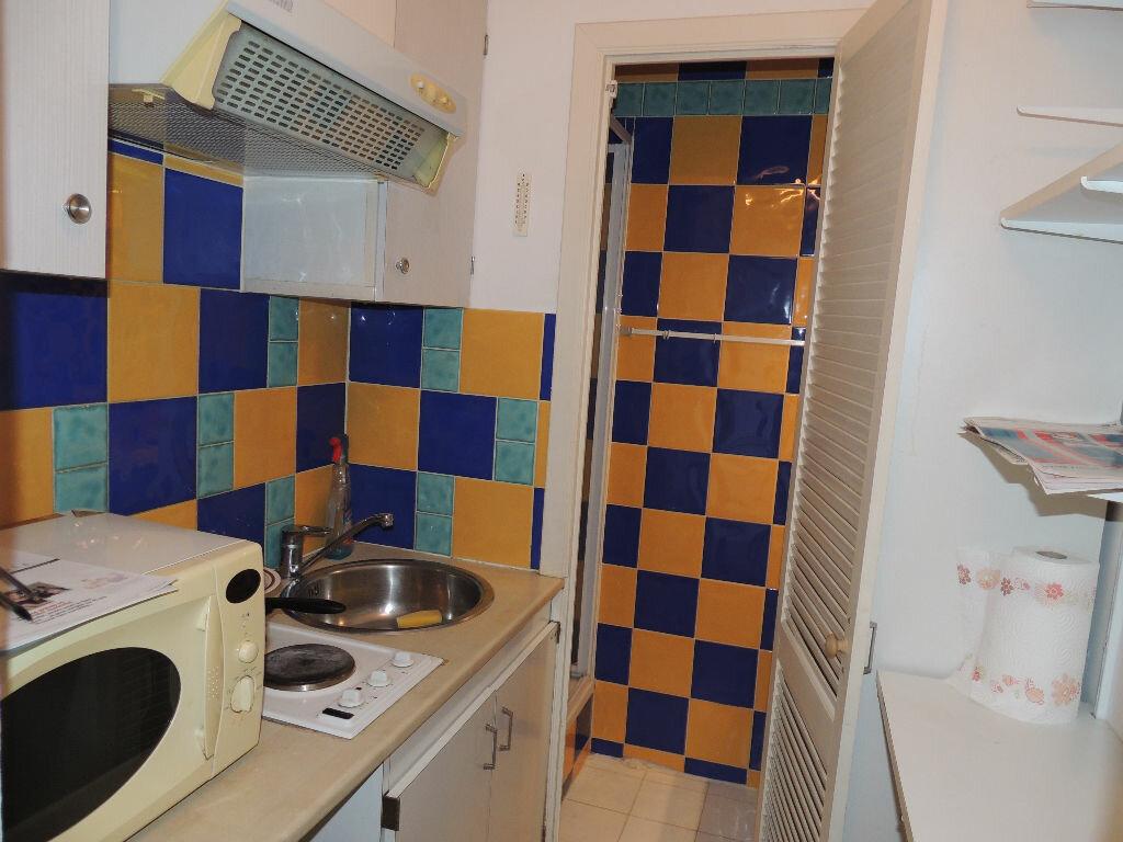 Achat Appartement 2 pièces à Saint-Raphaël - vignette-5