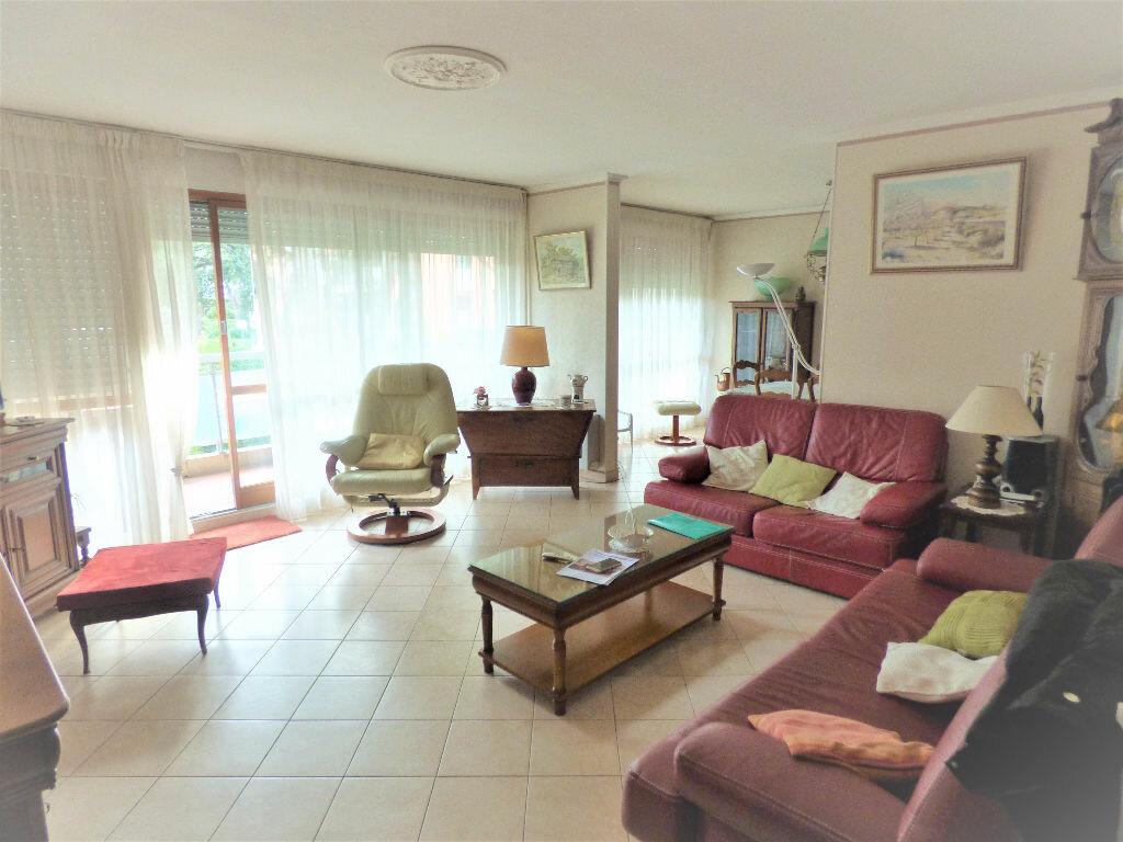 Achat Appartement 5 pièces à Saint-Raphaël - vignette-2