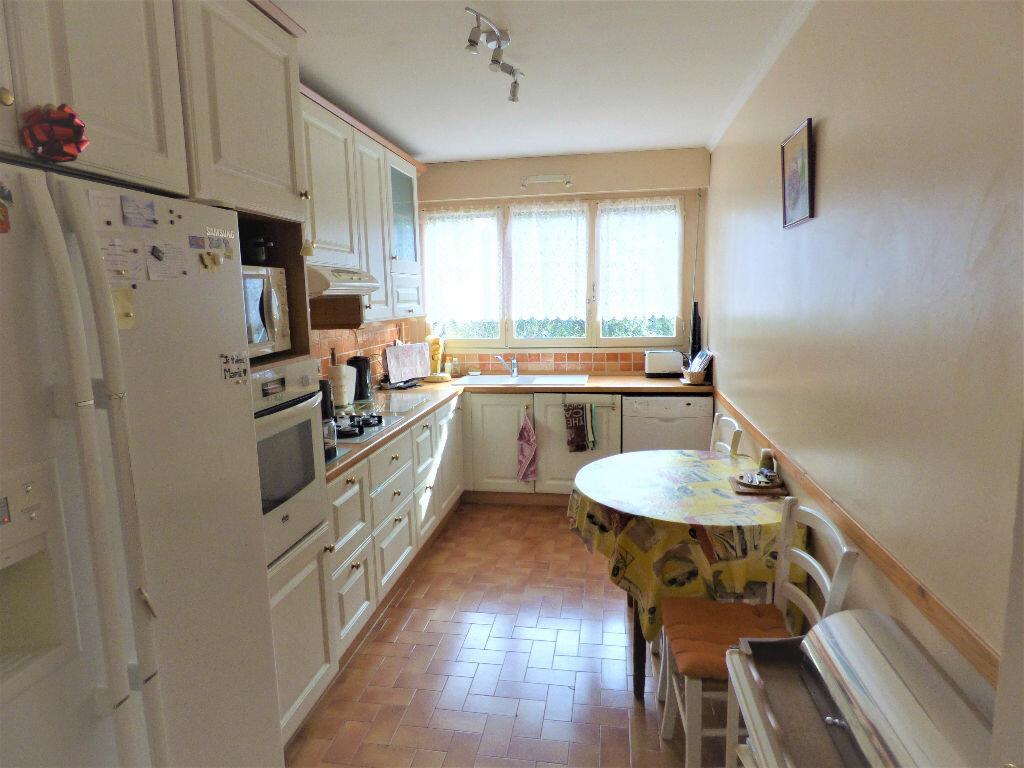 Achat Appartement 5 pièces à Saint-Raphaël - vignette-3