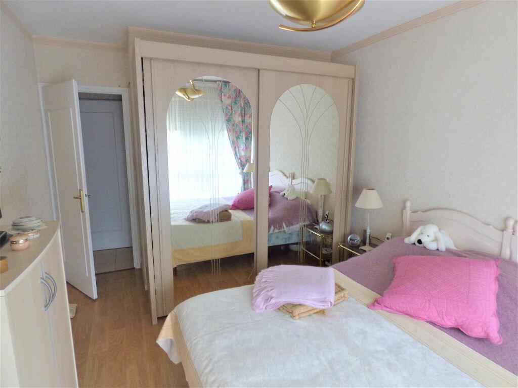 Achat Appartement 5 pièces à Saint-Raphaël - vignette-7