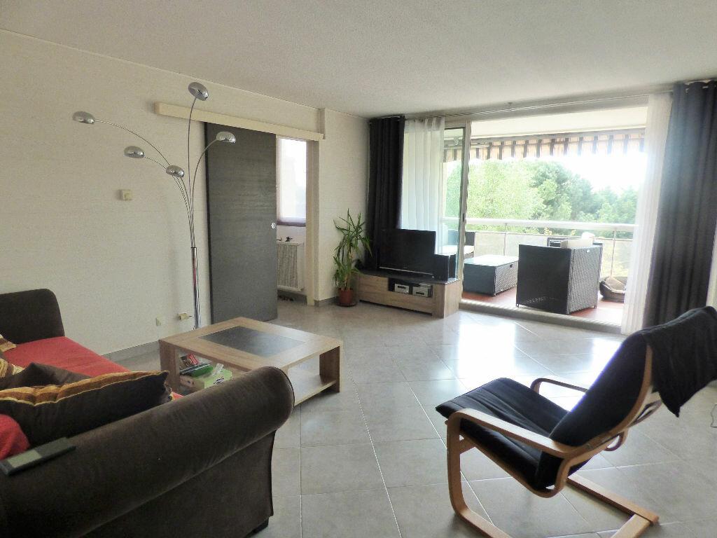 Achat Appartement 4 pièces à Fréjus - vignette-1
