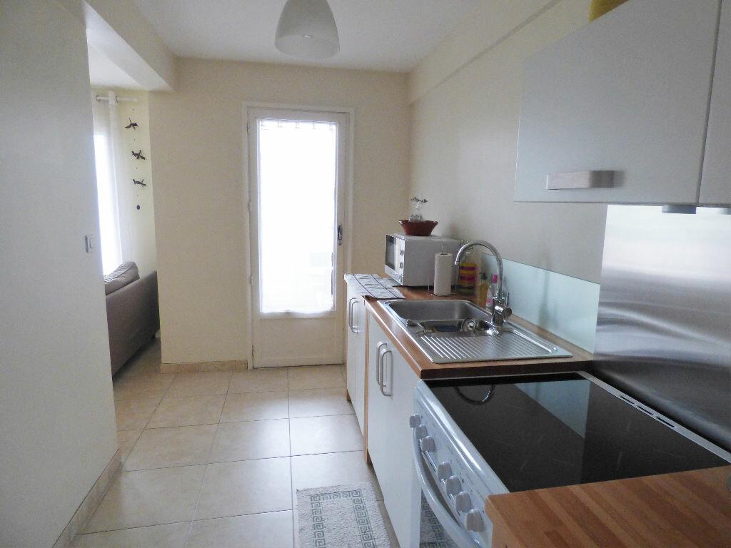 Achat Appartement 3 pièces à Saint-Raphaël - vignette-1