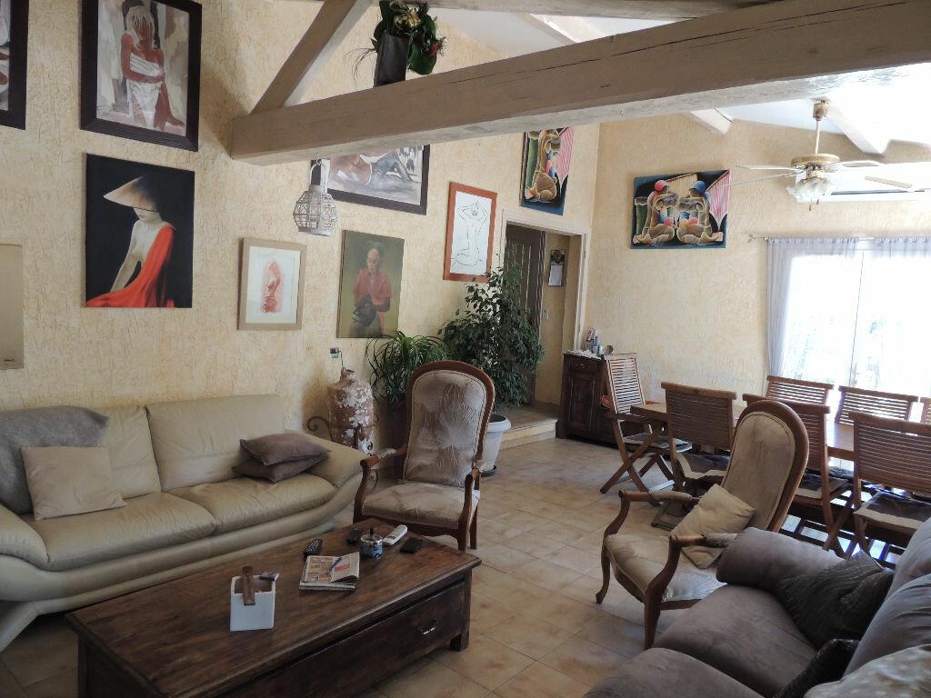 Achat Maison 11 pièces à Le Muy - vignette-4