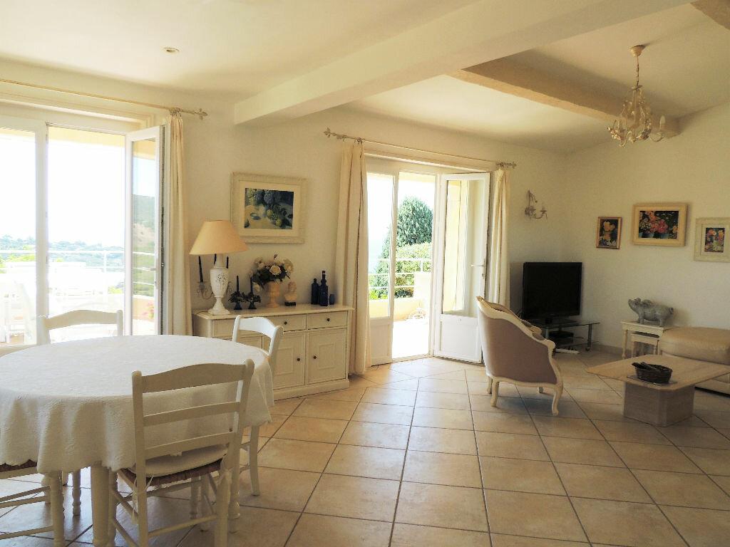 Achat Maison 5 pièces à Roquebrune-sur-Argens - vignette-3