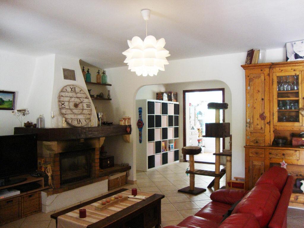 Achat Maison 6 pièces à Saint-Raphaël - vignette-8