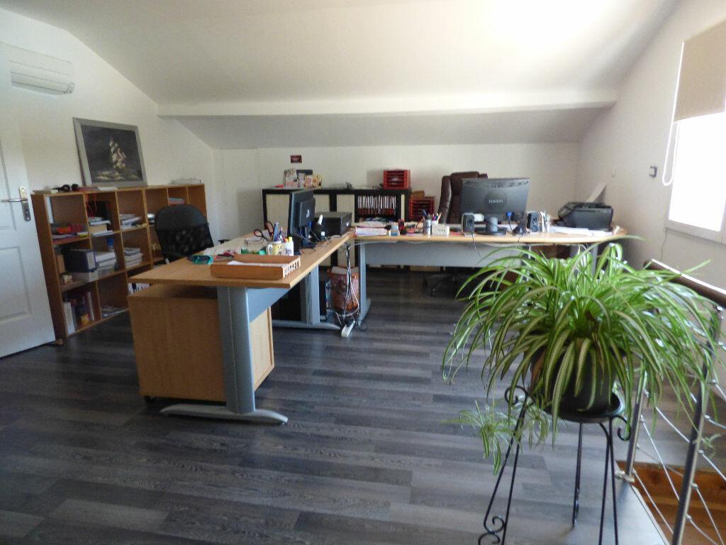 Achat Maison 6 pièces à Fréjus - vignette-12