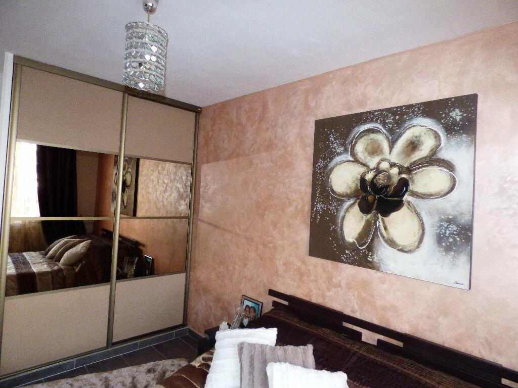 Achat Appartement 4 pièces à Saint-Raphaël - vignette-7