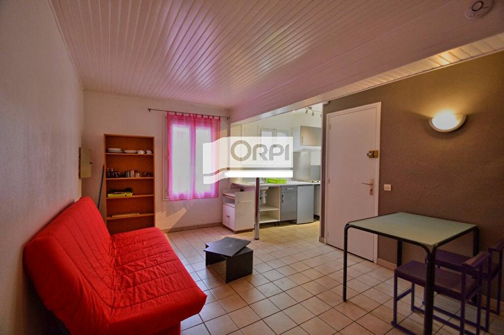 Location Appartement 1 pièce à Agen - vignette-1
