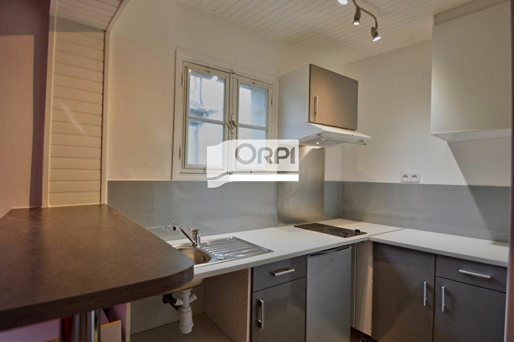 Location Appartement 1 pièce à Agen - vignette-2