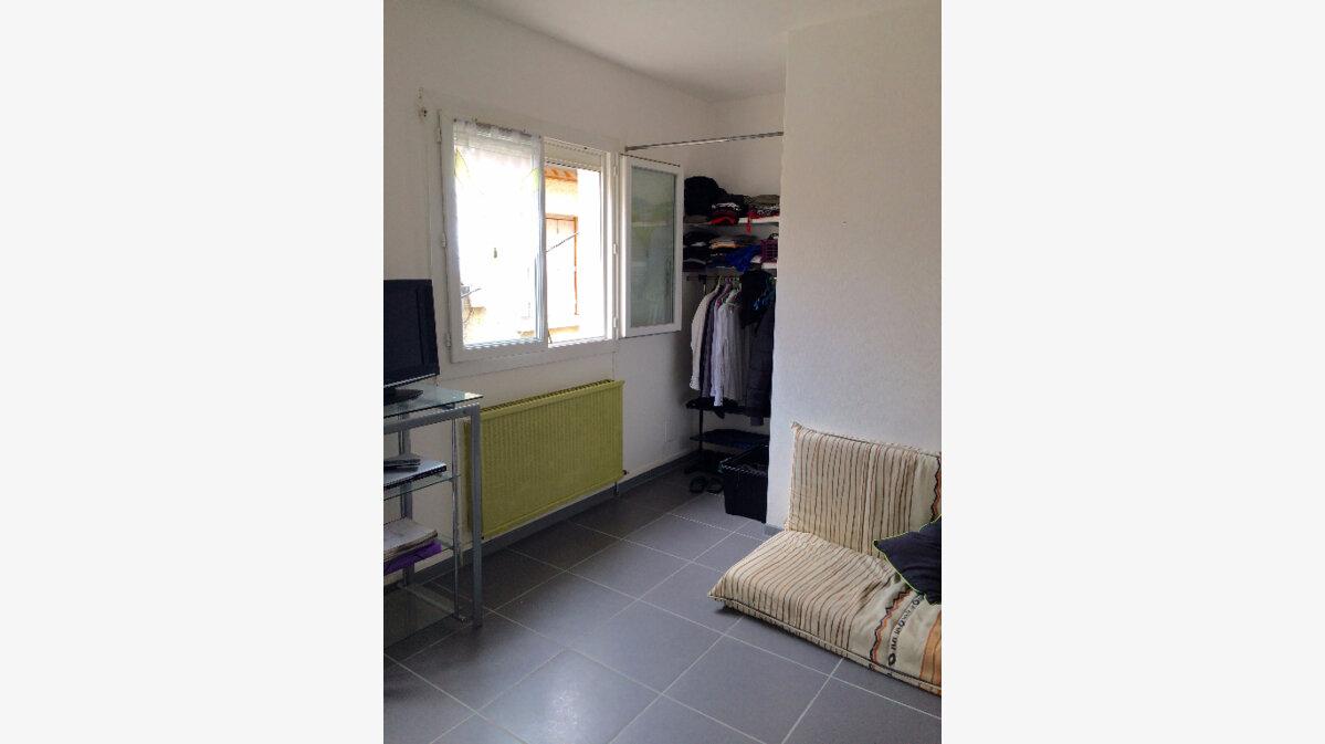 Achat Appartement 1 pièce à Agen - vignette-5