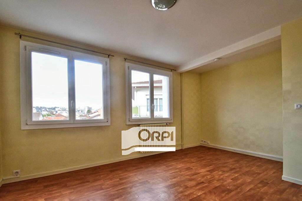 Location Appartement 2 pièces à Agen - vignette-2