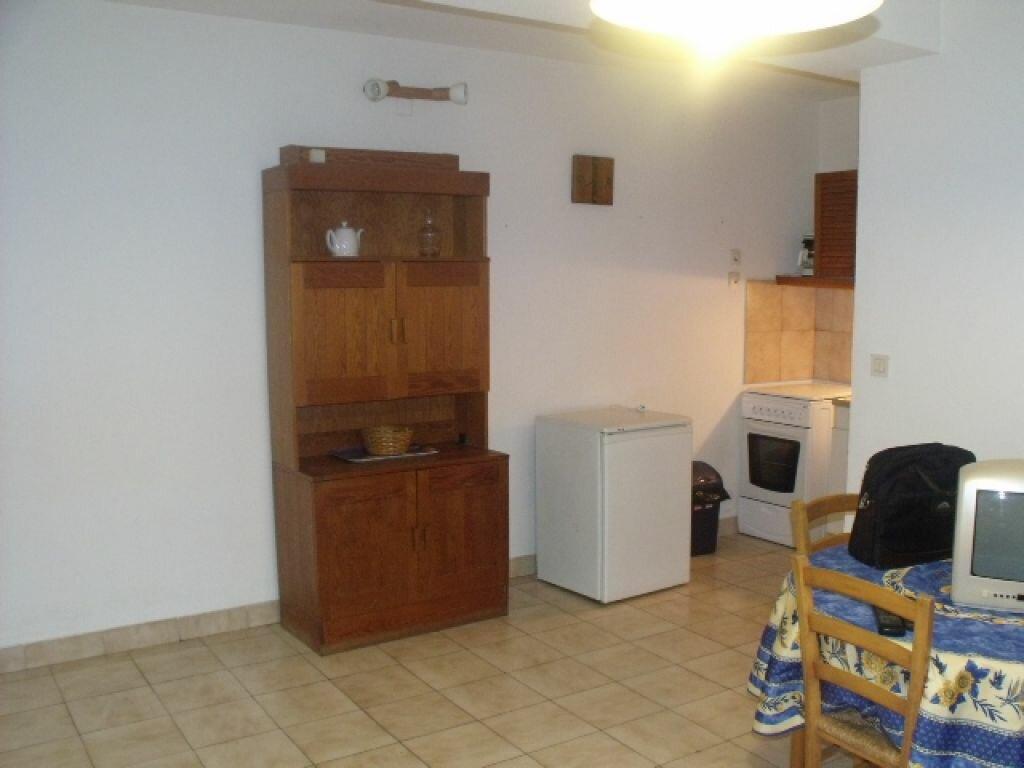 Location Appartement 1 pièce à Pézenas - vignette-1