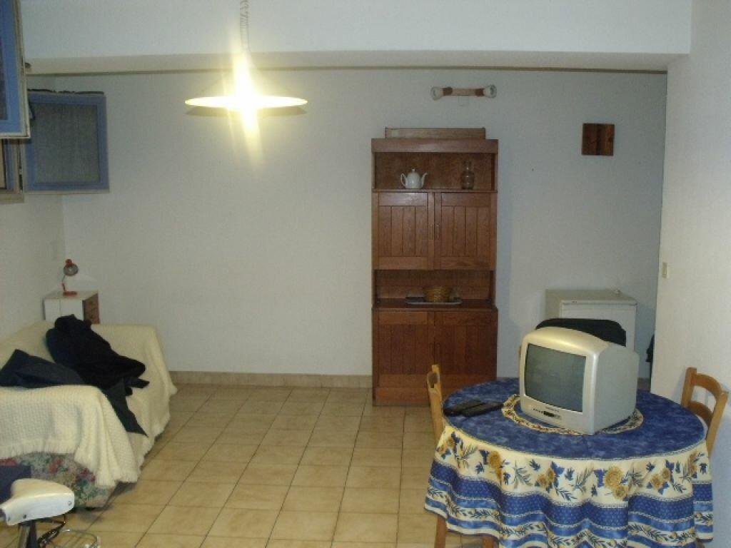 Location Appartement 1 pièce à Pézenas - vignette-4