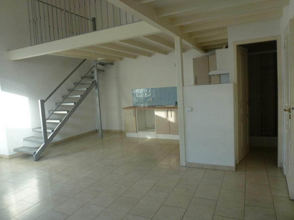 Achat Appartement 3 pièces à Saint-André-de-Sangonis - vignette-1