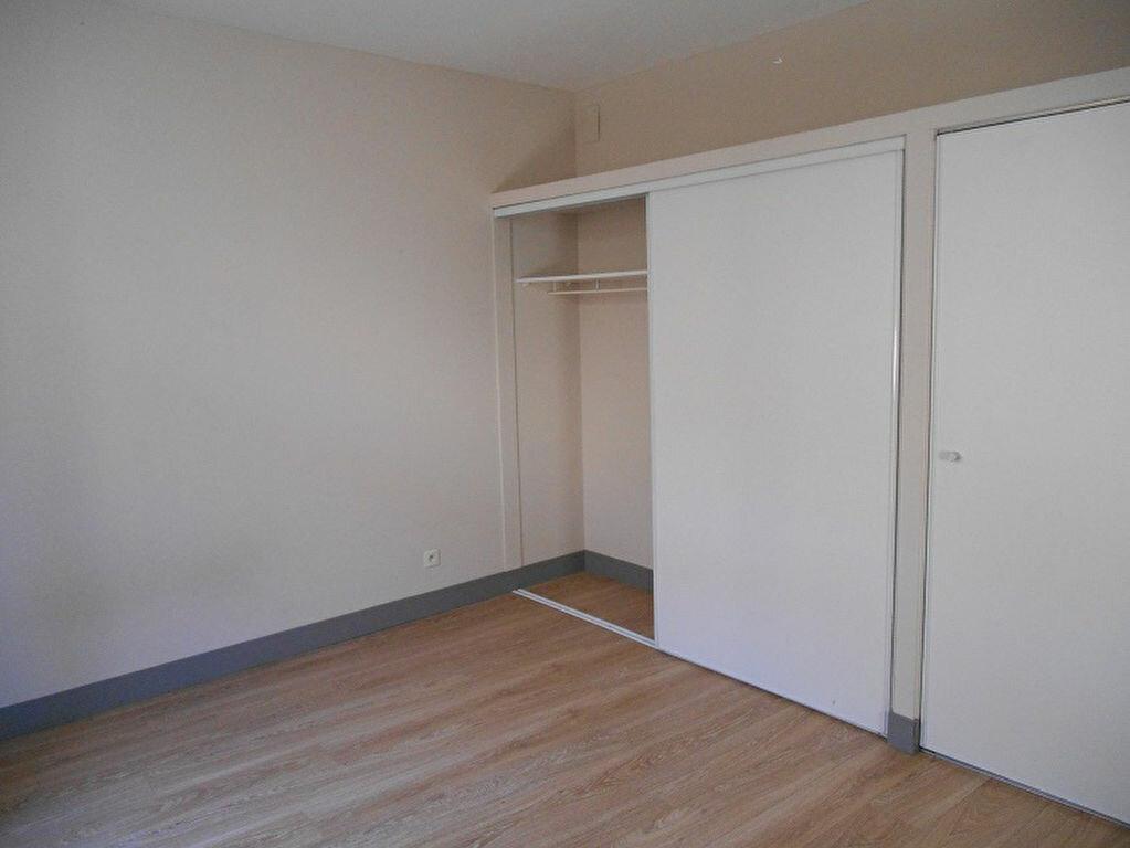 Location Appartement 2 pièces à Pézenas - vignette-5