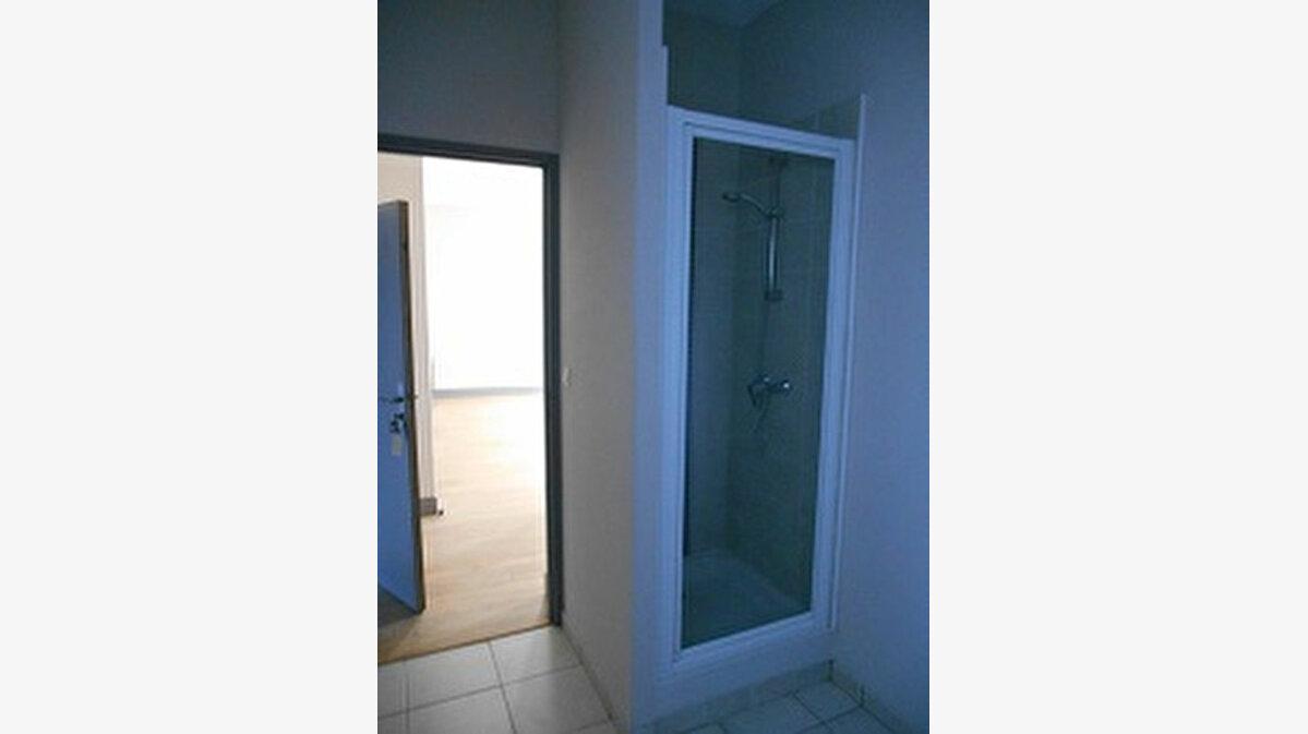 Location Appartement 2 pièces à Pézenas - vignette-7