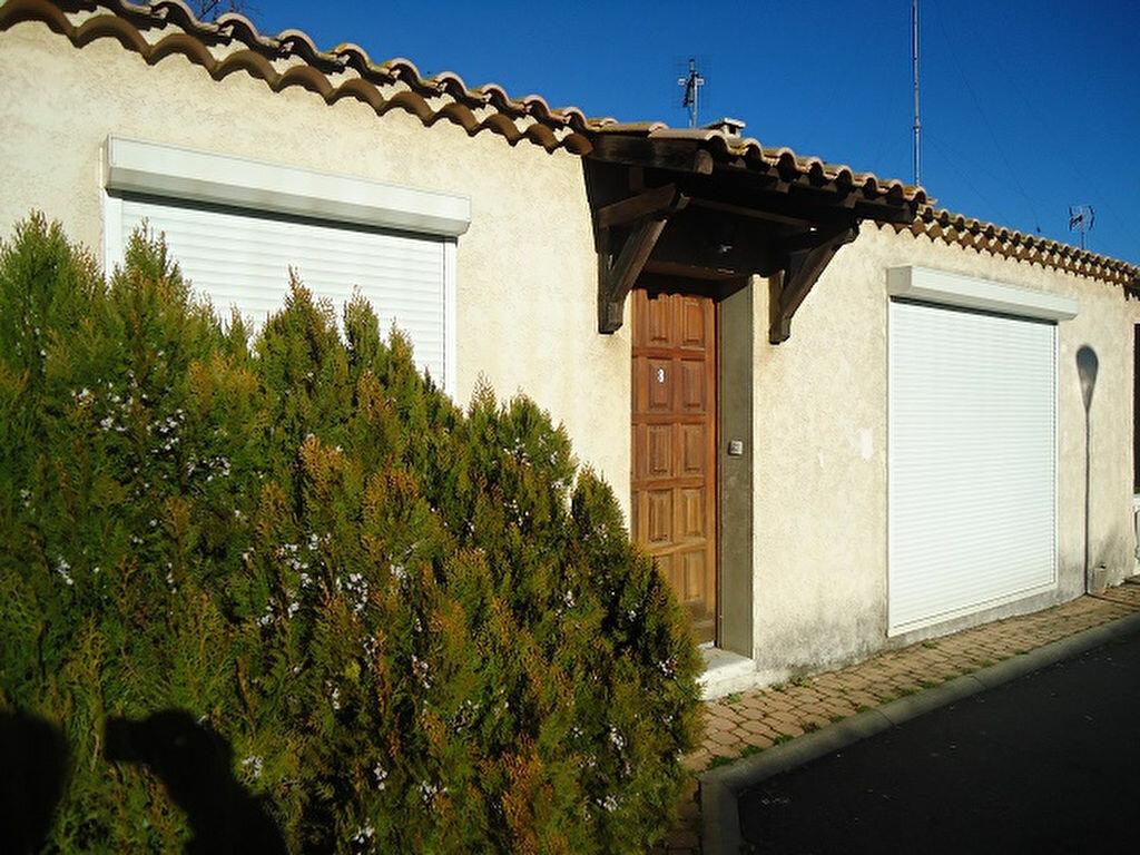 Location Maison 4 pièces à Pézenas - vignette-1