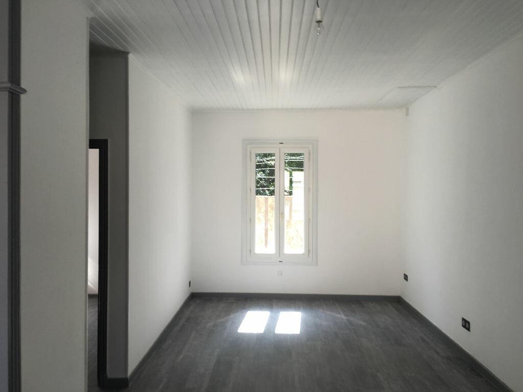 Location Appartement 2 pièces à Pézenas - vignette-1