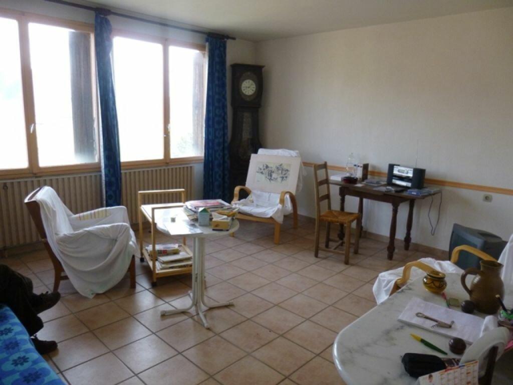 Achat Appartement 4 pièces à Château-Arnoux-Saint-Auban - vignette-1
