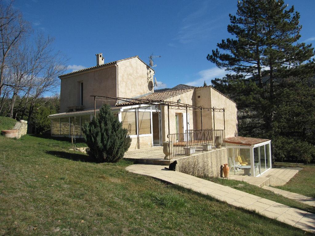 Achat Maison 12 pièces à Châteauredon - vignette-1