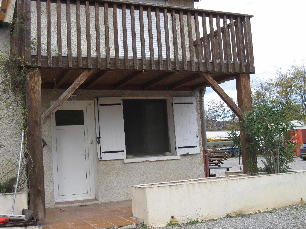 Location Appartement 3 pièces à Les Mées - vignette-1