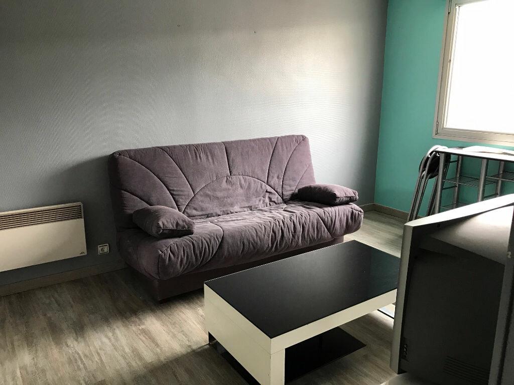 Location Appartement 1 pièce à Boulogne-sur-Mer - vignette-2