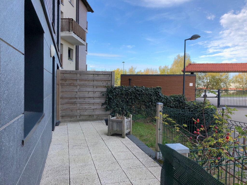 Location Appartement 3 pièces à Saint-Martin-Boulogne - vignette-1