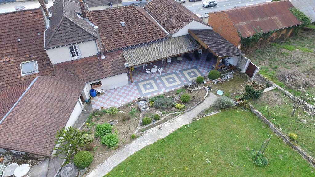 Achat Maison 18 pièces à Montreuil-aux-Lions - vignette-1