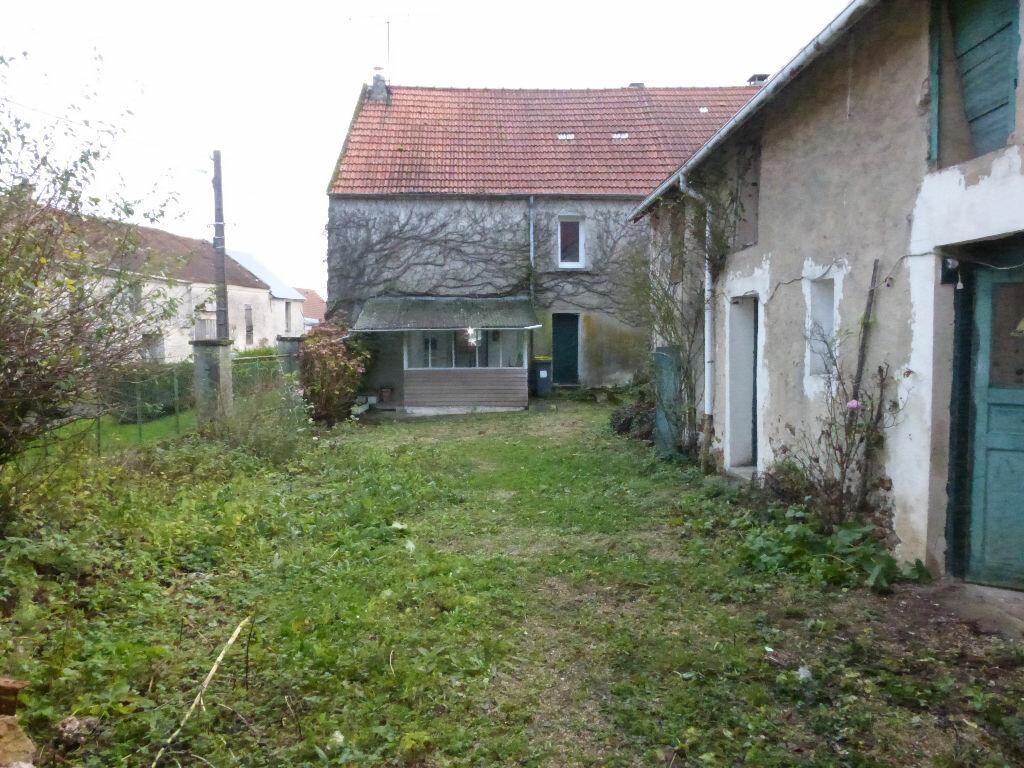 Achat Maison 5 pièces à Montreuil-aux-Lions - vignette-2