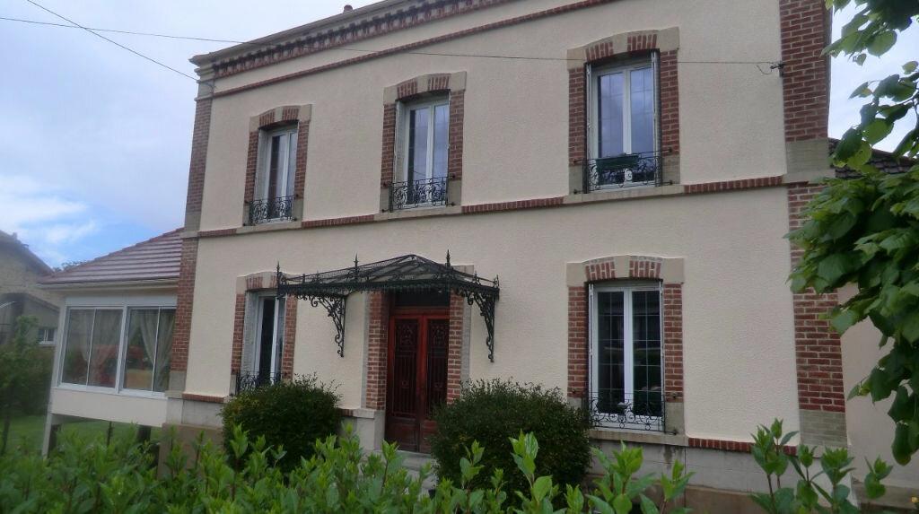 Achat Maison 9 pièces à Condé-en-Brie - vignette-1