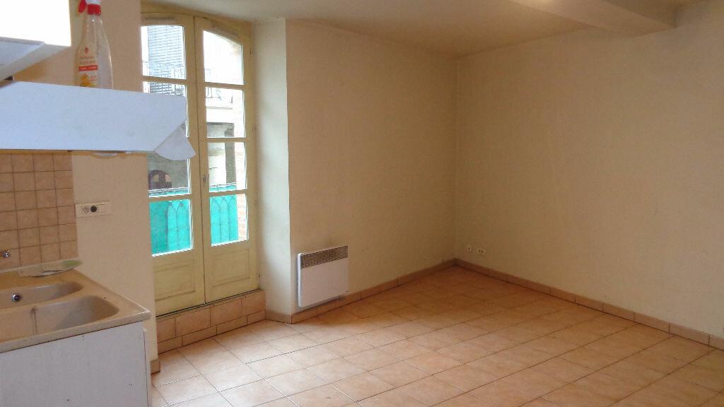 Location Appartement 3 pièces à Caussade - vignette-1
