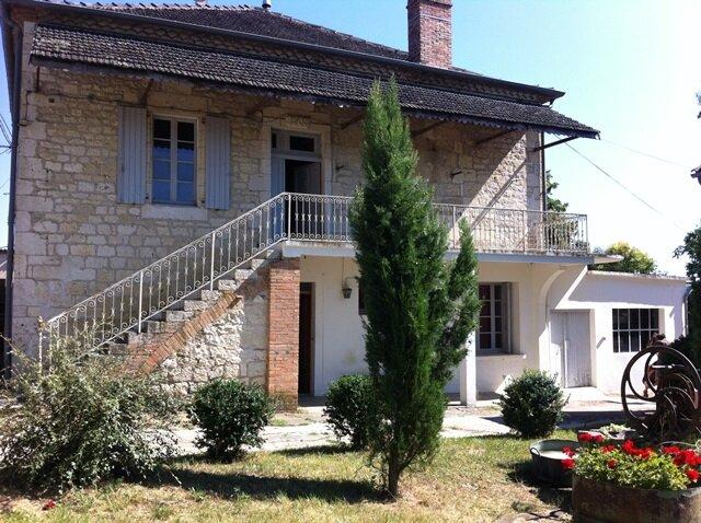 Location Maison 6 pièces à Montpezat-de-Quercy - vignette-1