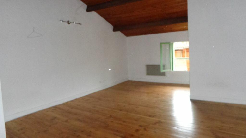 Location Appartement 1 pièce à Caussade - vignette-1