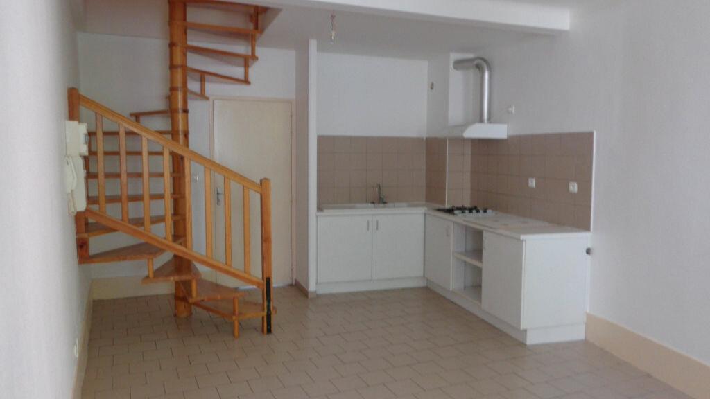 Location Appartement 2 pièces à Caussade - vignette-1